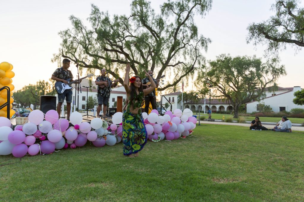 Student Programming Board hosts yearly Welcome Back Luau